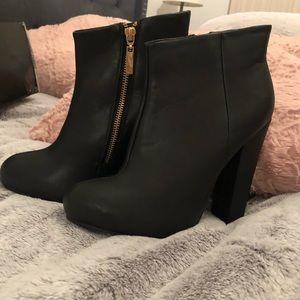 Black Express boots